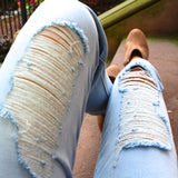Distressed Ripped Knees High Rise Mom Jeans - Light Wash