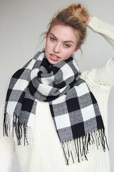 Classic Buffalo Plaid Scarf with Fringe - White/Black