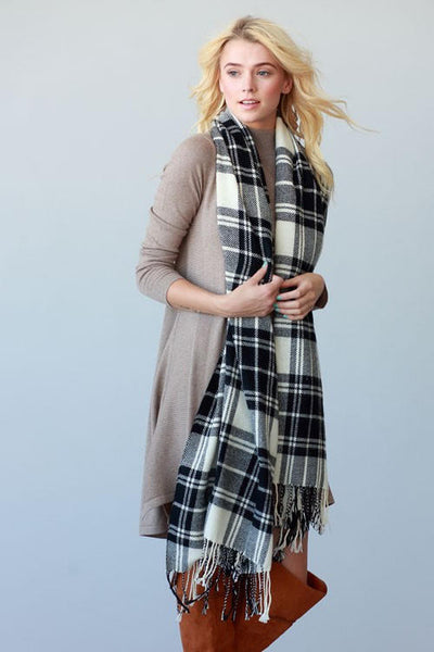 Soft Classic Plaid Scarf with Fringe - White/Black