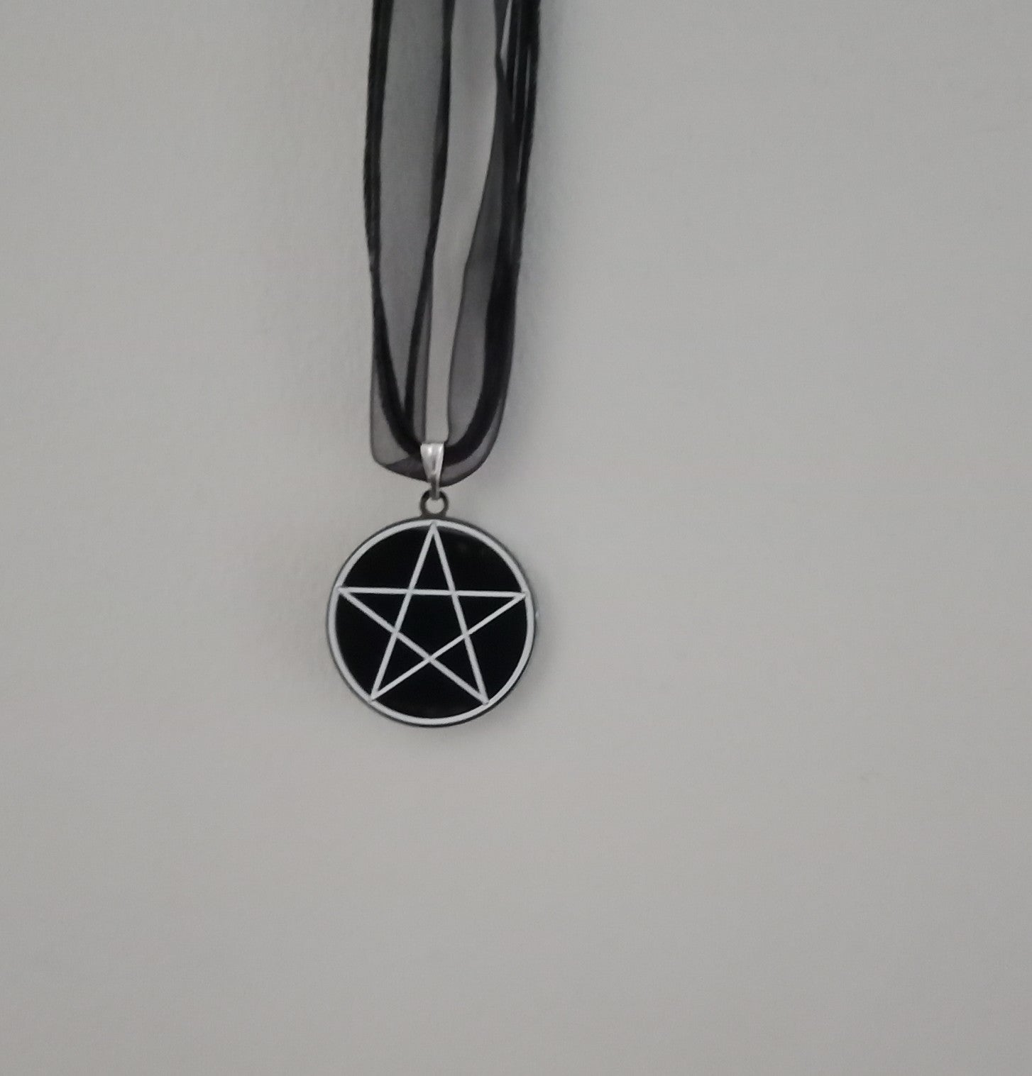 Pentagram organza ribbon necklace