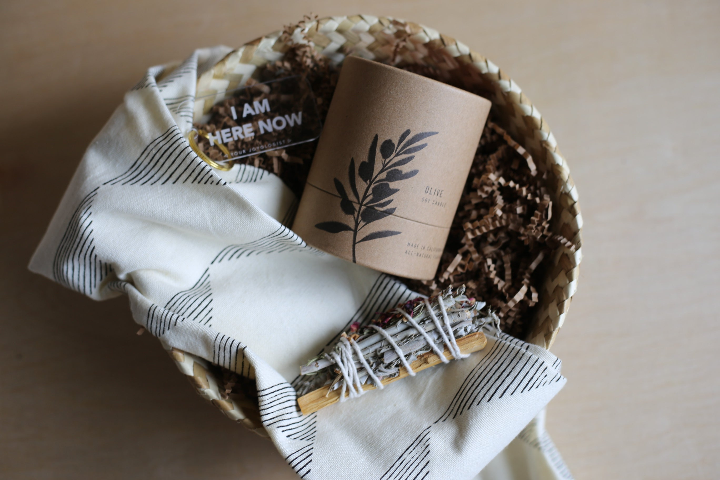 Home Sweet Home Gift basket - BEpresent