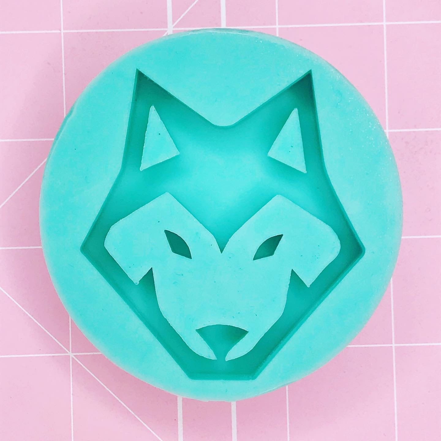 Round Mold - Husky / Dog (Backed Shaker) - Chala Atelier & Supplies