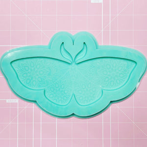 Single Cavity Mold: Moth Large [Etched / Solid]