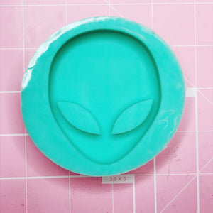 Round Mold - Alien Head (Backed) - Chala Atelier & Supplies