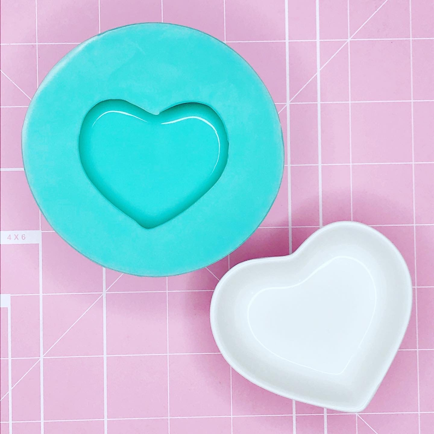 Tray Mold: Adorable Heart Dish