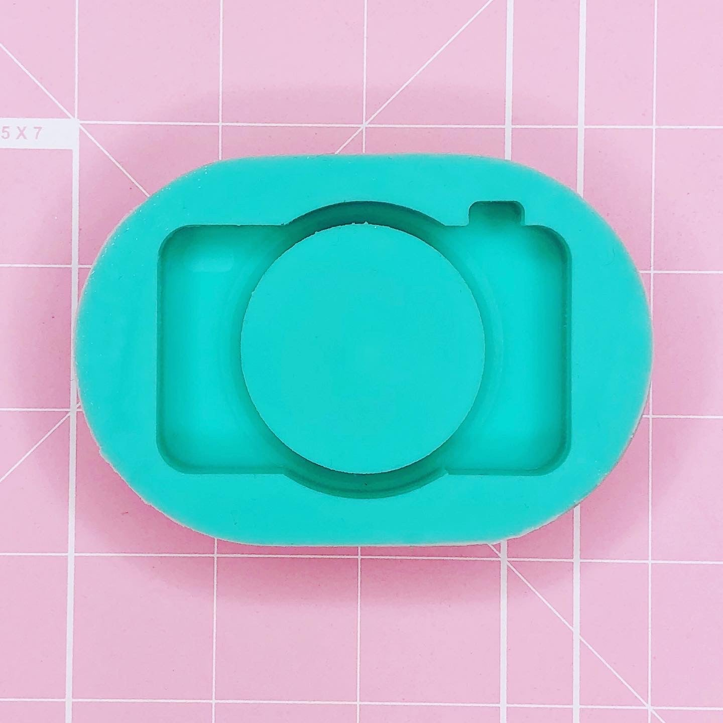 Oval Mold- Camera Mold - Large Lens (Backed) - Chala Atelier & Supplies