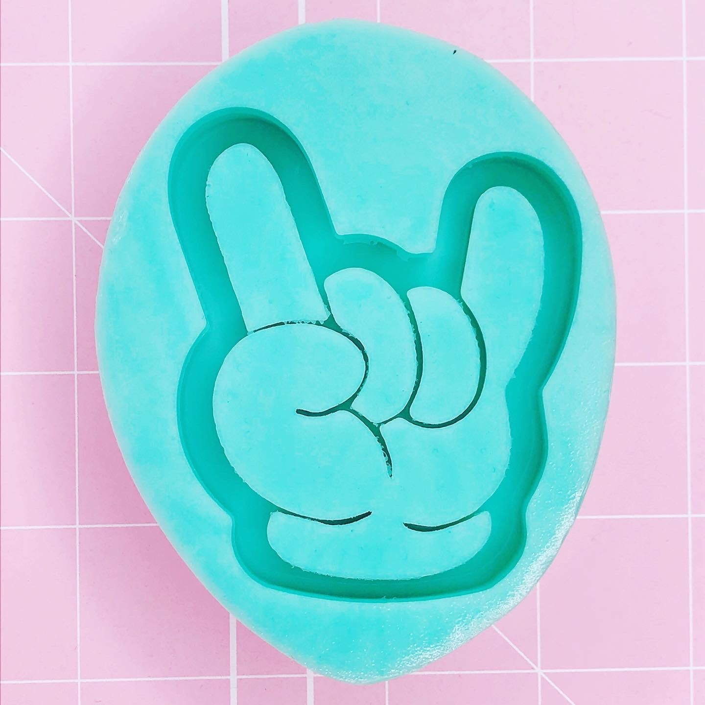 Teardrop Mold - Sign of the Horns / Rock On Hand (Backed Shaker) - Chala Atelier & Supplies