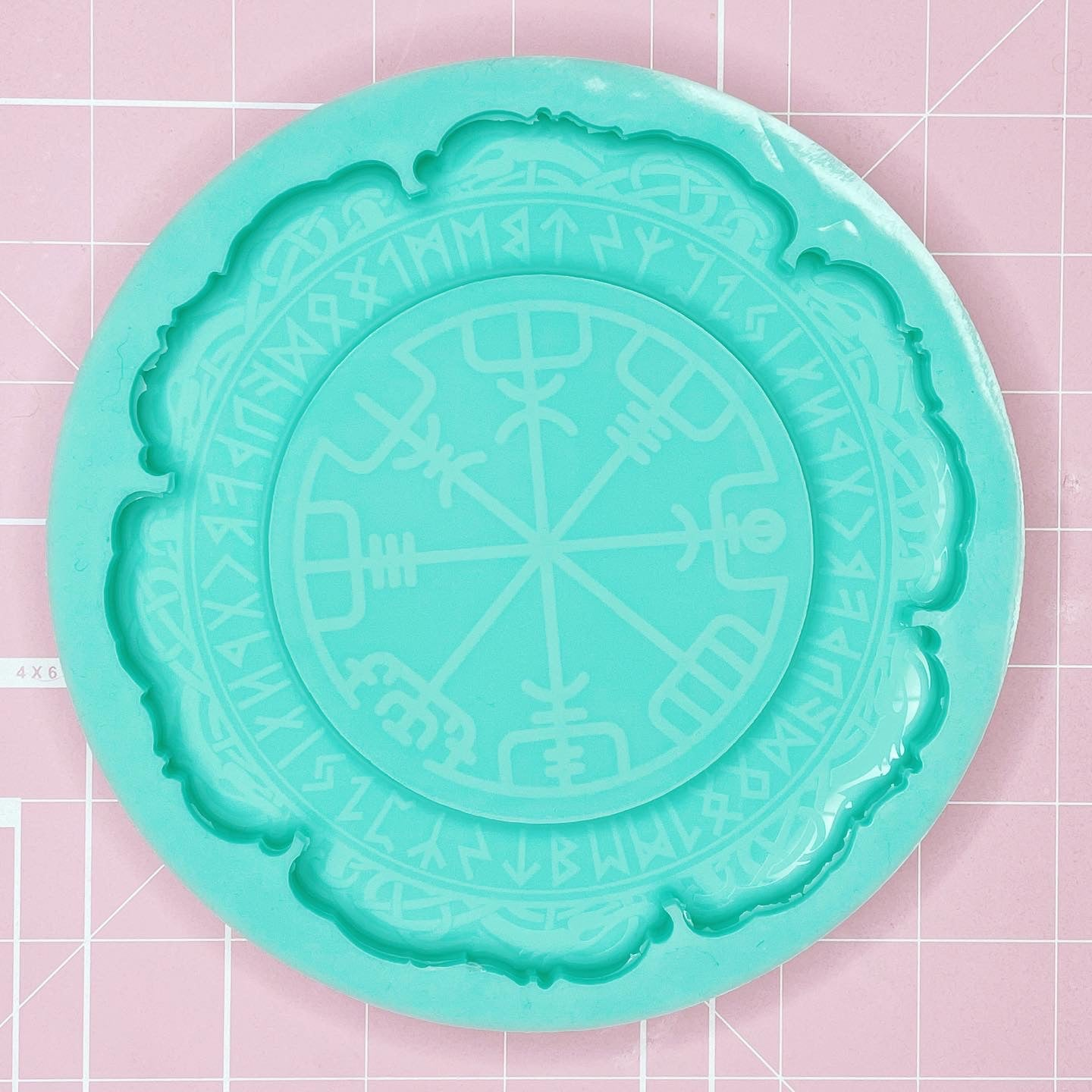 "Tray Mold: ""Runic Compass"" Tray [Etched / Backed]"