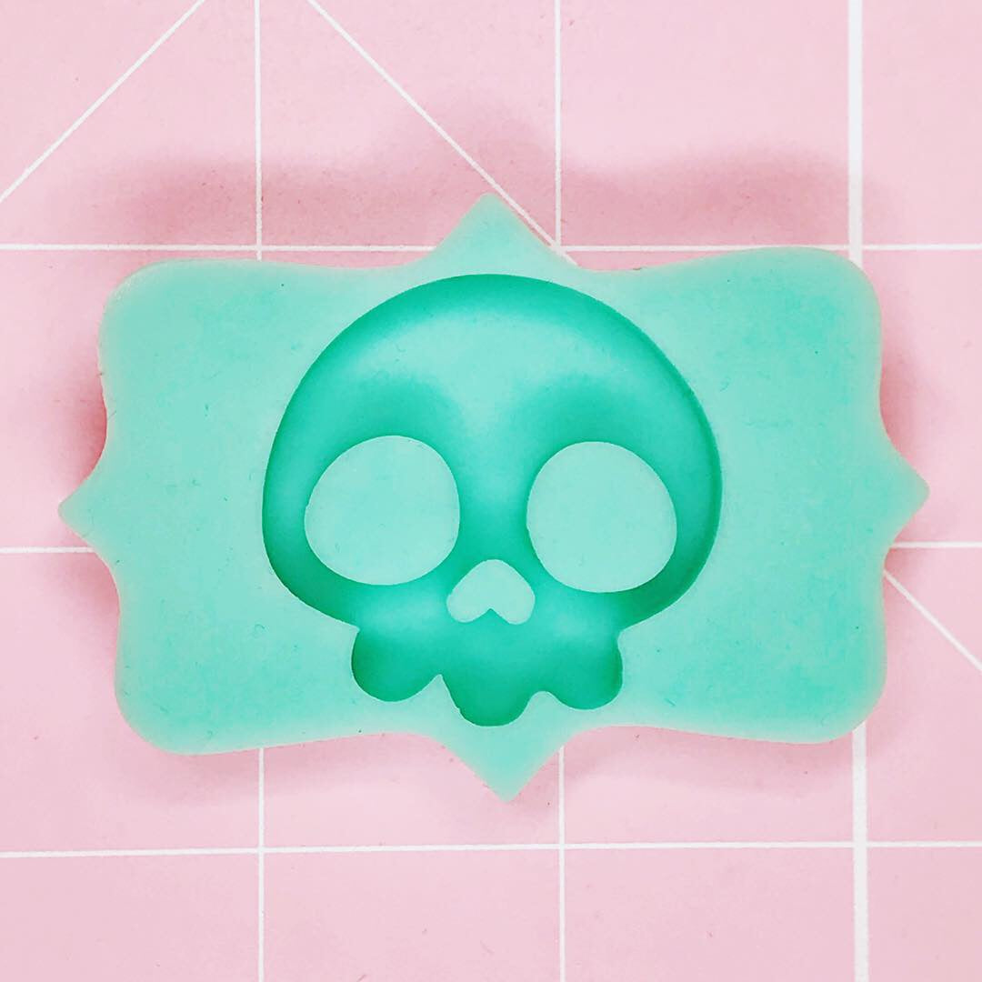 Small Mold - Skull - Chala Atelier & Supplies