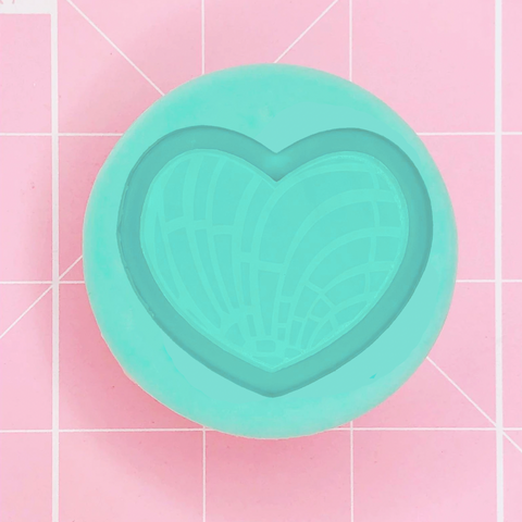 Single Grippie  Mold: Concha / Pan Dulce Shaker Grippie (Heart) -  [Etched / Backed]