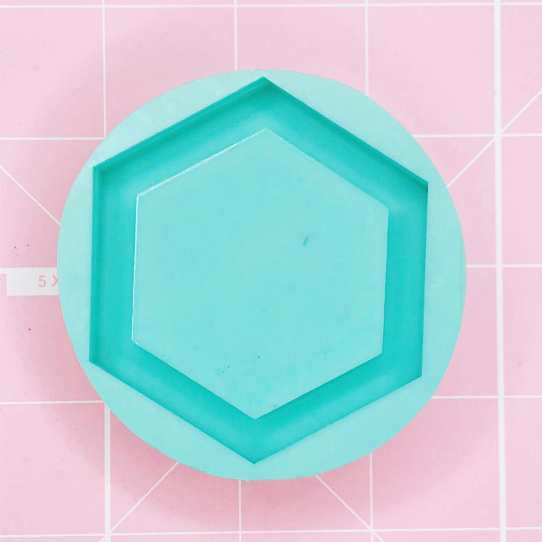 Round Mold -  Hexagon (Backed Shaker) - Chala Atelier & Supplies