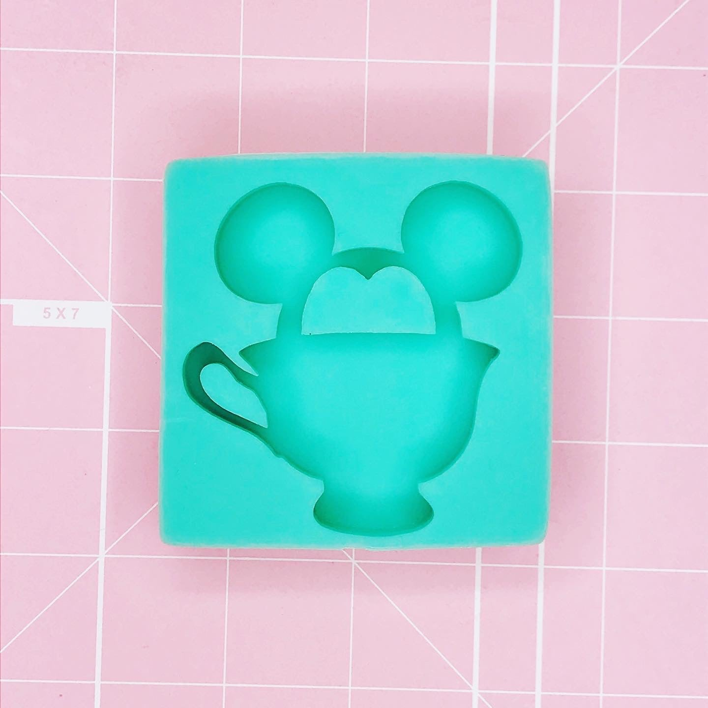 Round Mold - Mickey Tea Time (Backed) - Chala Atelier & Supplies
