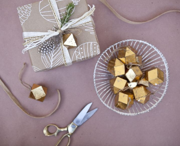 wrapping-gifts-for-holidays-urbanic1