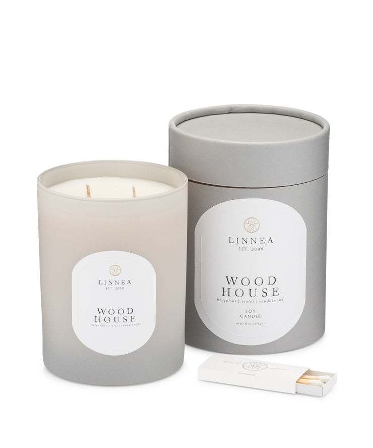 wood house 2-wick 11 oz candle