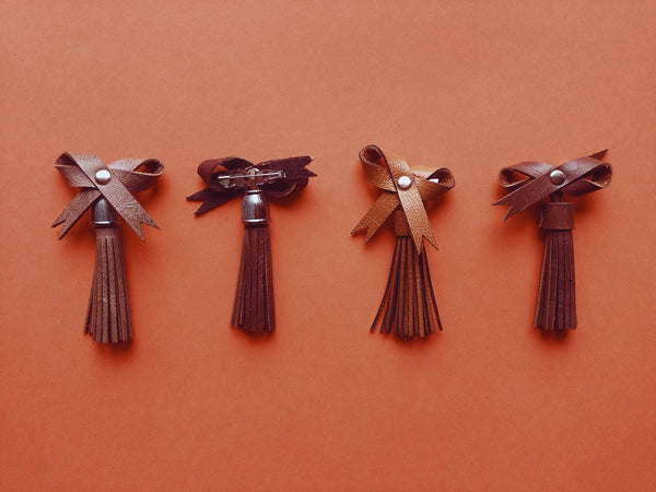 Leather Bow Pins - Dekora.Fashion