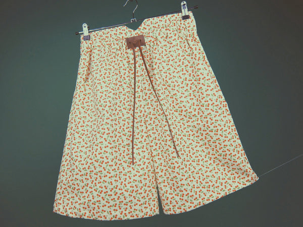 Cherry Shorts - Dekora.Fashion