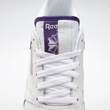Lade das Bild in den Galerie-Viewer, Reebok - Classic Leather