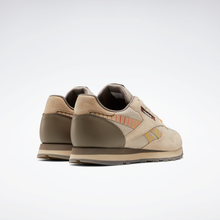Lade das Bild in den Galerie-Viewer, Reebok - Hot Ones Classic Leather