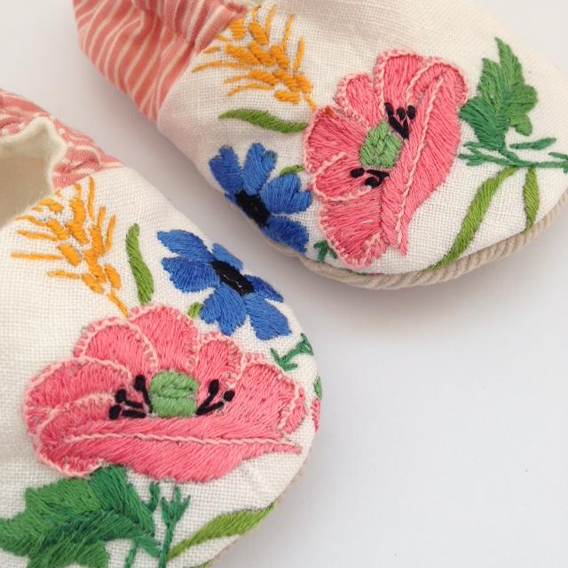 Embroidered linen baby shoes 6-9 months