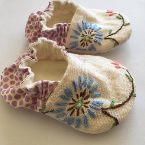 Vintage embroidery baby shoes 0-6 months