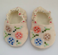 Vintage linen embroidery baby shoes 6-9 months