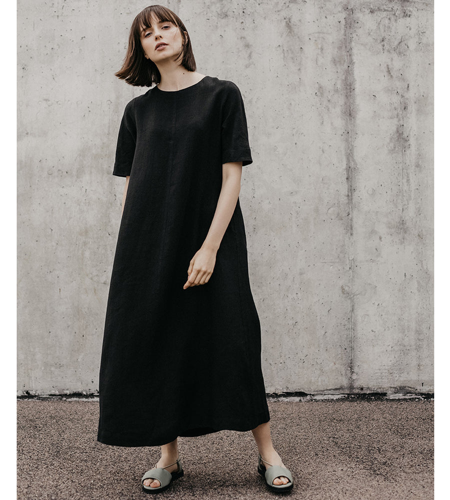 A Black Linen Dress Every Artist Should Have