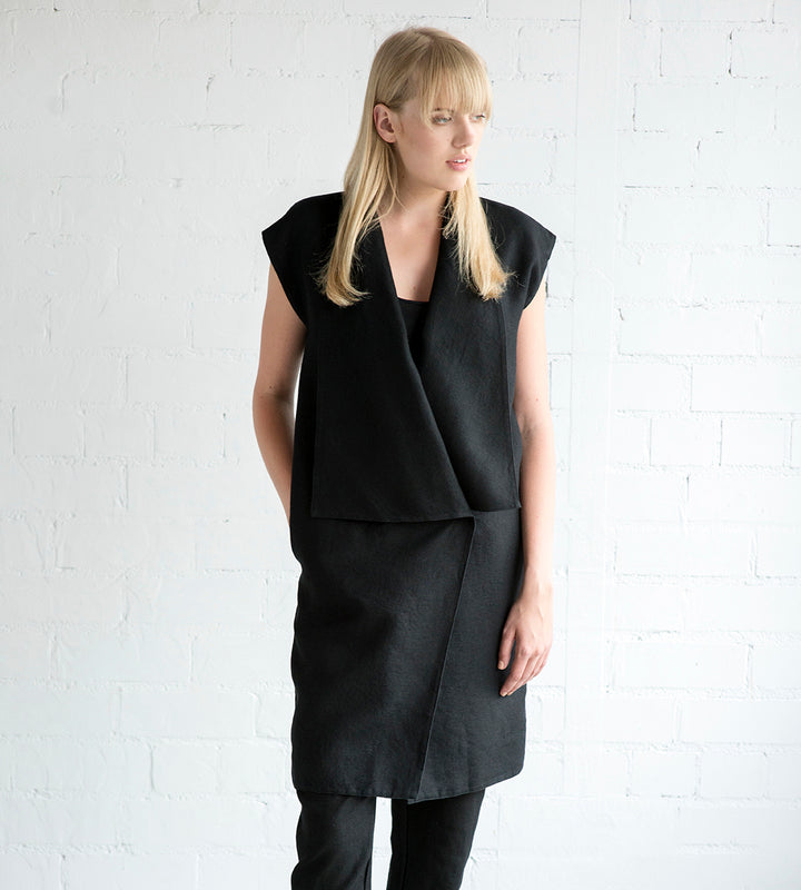 Motumo - Black Linen Tunic at Amberoot (1)
