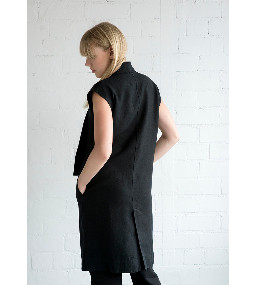 Motumo - Black Linen Tunic at Amberoot (2)