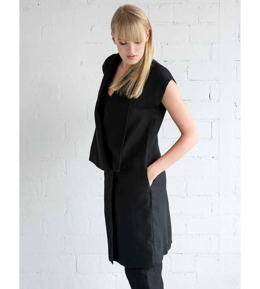Motumo - Black Linen Tunic at Amberoot (3)