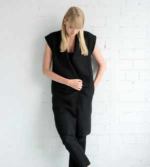 Motumo - Black Linen Tunic at Amberoot (5)