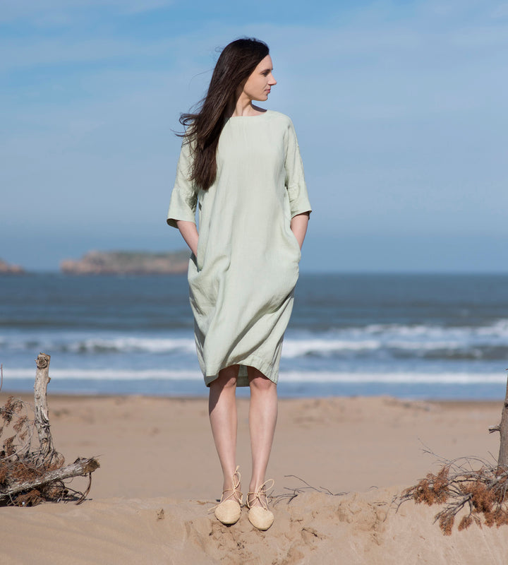 Motumo - Emerald Linen Dress at Amberoot (2)