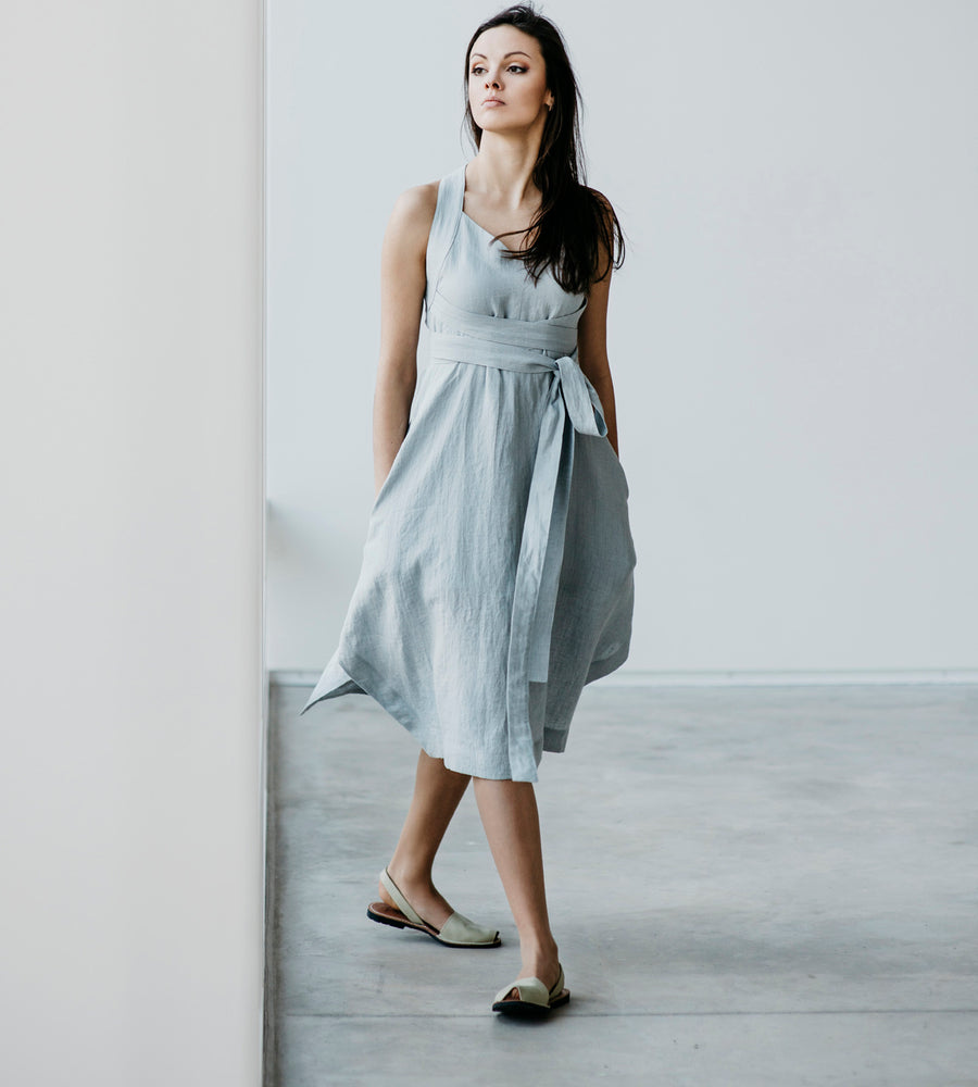 Motumo - Light Grey Linen Dress at Amberoot (1)