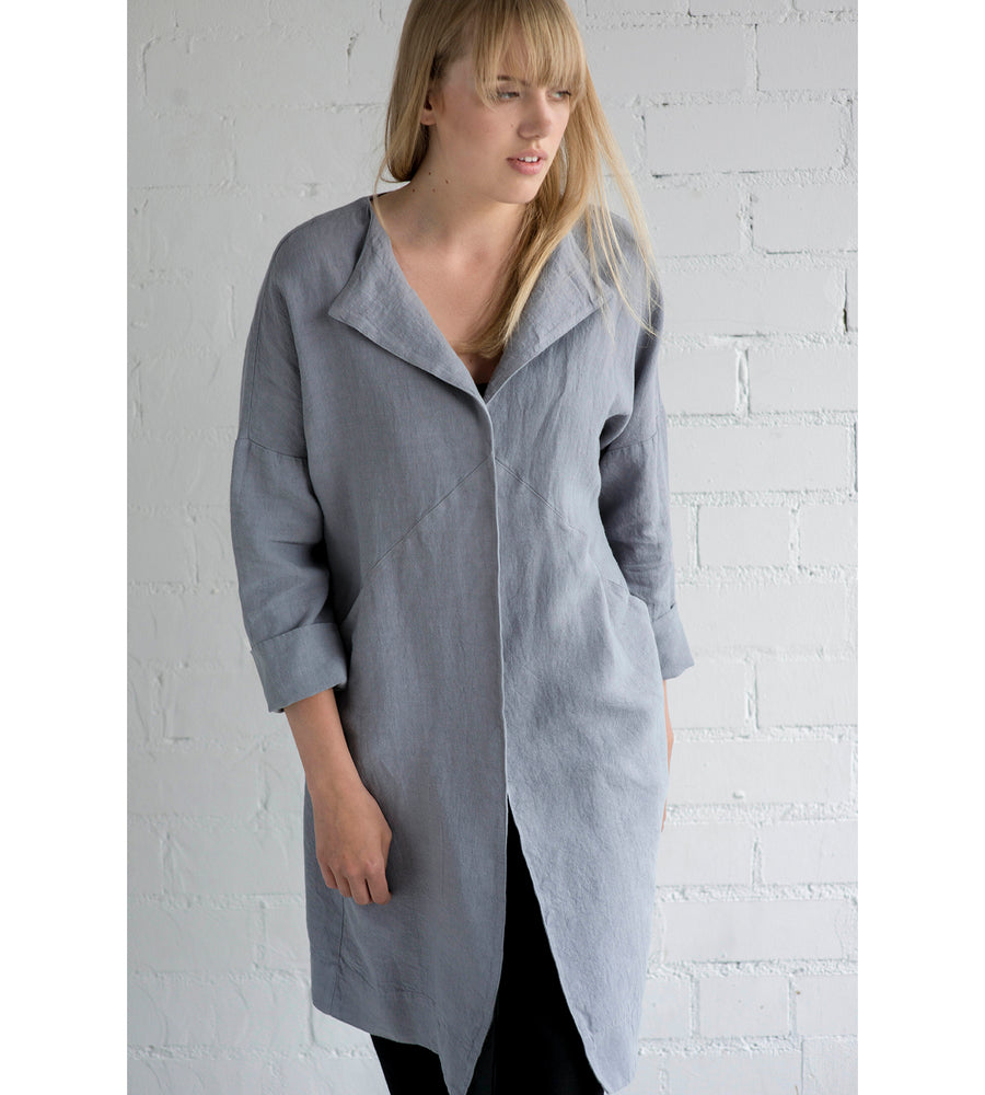 Motumo - Light Grey Linen Mac at Amberoot (2)