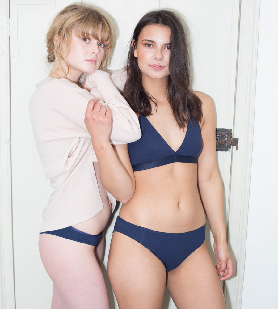 Amaella - Navy Seamless Organic Cotton Bra at Amberoot (2)