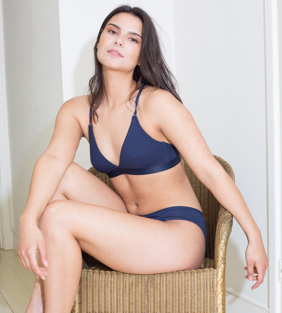 Amaella - Navy Seamless Organic Cotton Bra at Amberoot (3)