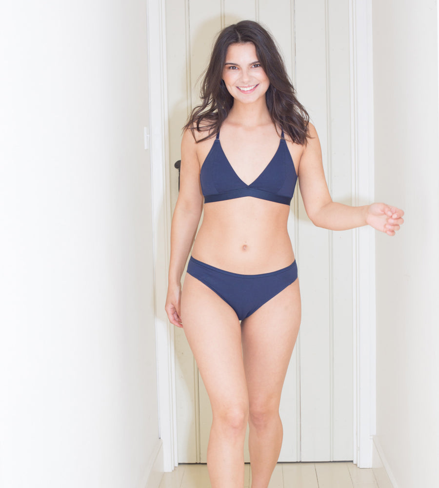 Amaella - Navy Seamless Organic Cotton Bra at Amberoot (5)