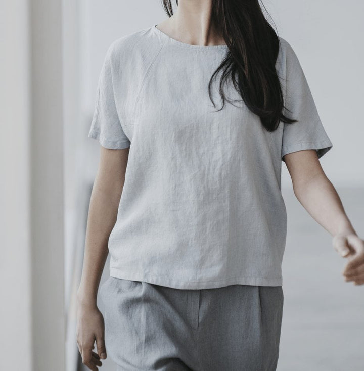 Motumo – Light Grey Linen Top @ Amberoot