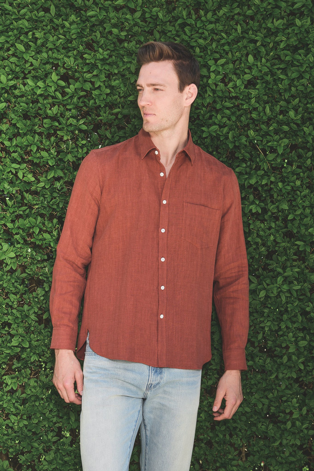 De Bonne Facture Essential Shirt Linen, Clay Red
