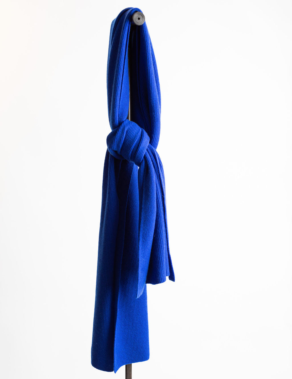 Hank-Perfect-Cashmere-Concord-Ribbed-Scarf-Royal-Blue