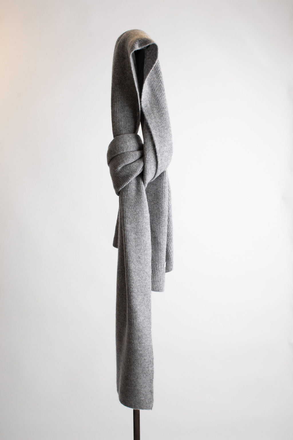 Hank-Perfect-Cashmere-Concord-Ribbed-Scarf-Heather-Grey