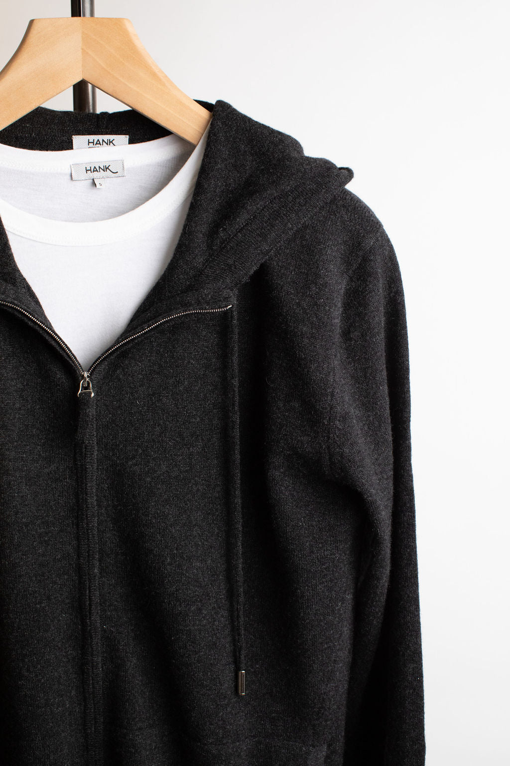 Hank-Perfect-Cashmere-Latham-Zip-Hoodie-Charcoal