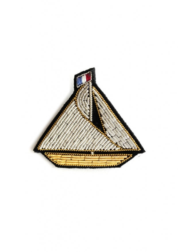 Macon et Lesquoy Sailboat Pin