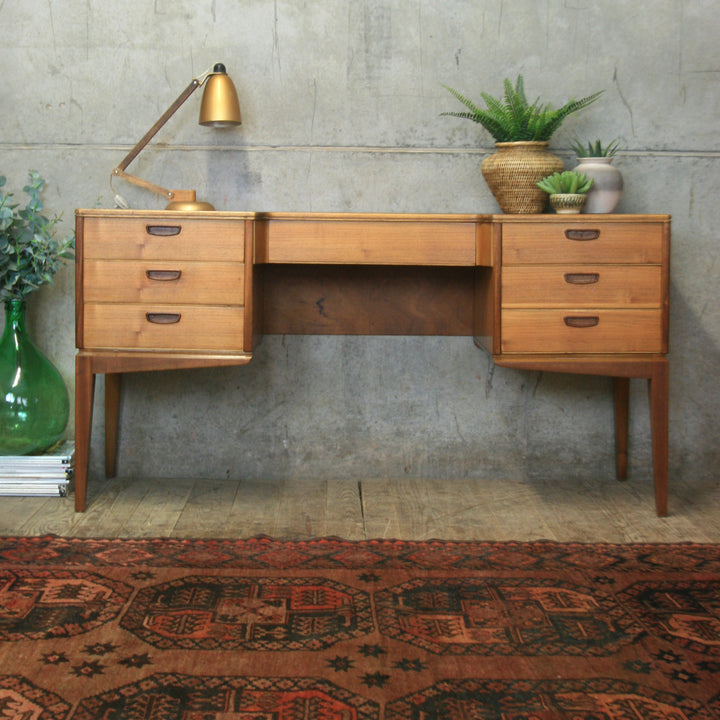 mid_century_alfred_cox_vintage_dressing_table