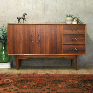 peter_hayward_walnut_vanson_sideboard