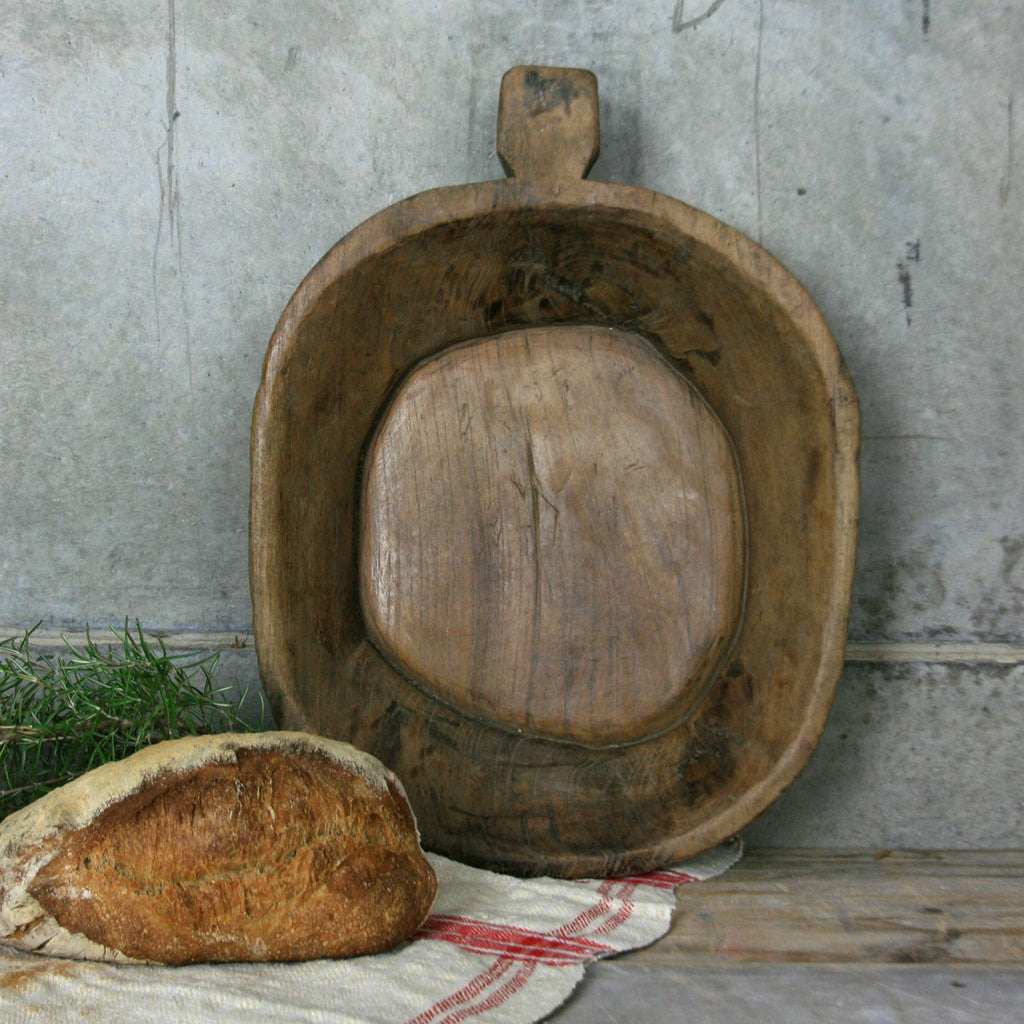 primitive_wooden_dough_bowl.1