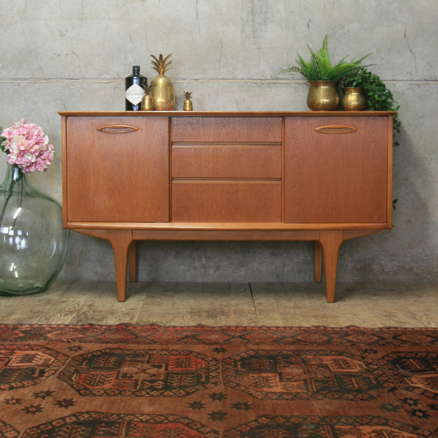 Mid Century Small Teak Sideboard / Media Cabinet #0318