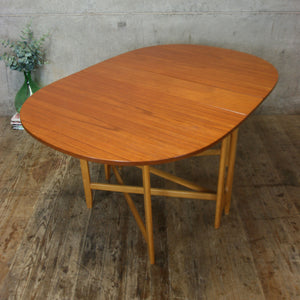 teak_bendt_winge_kleppes_møbelfabrikk_drop_leaf_table