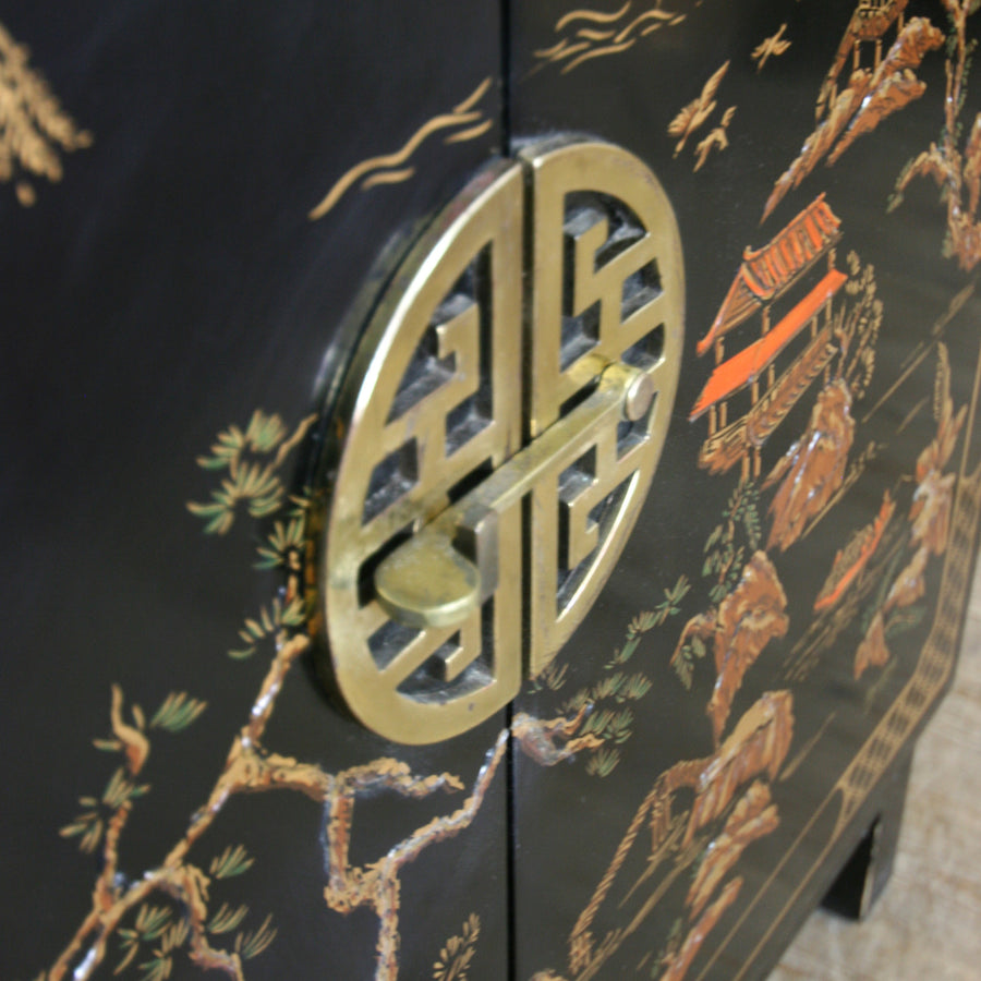 vintage_asian_oriental_black_laquer_painted_cabinet.4