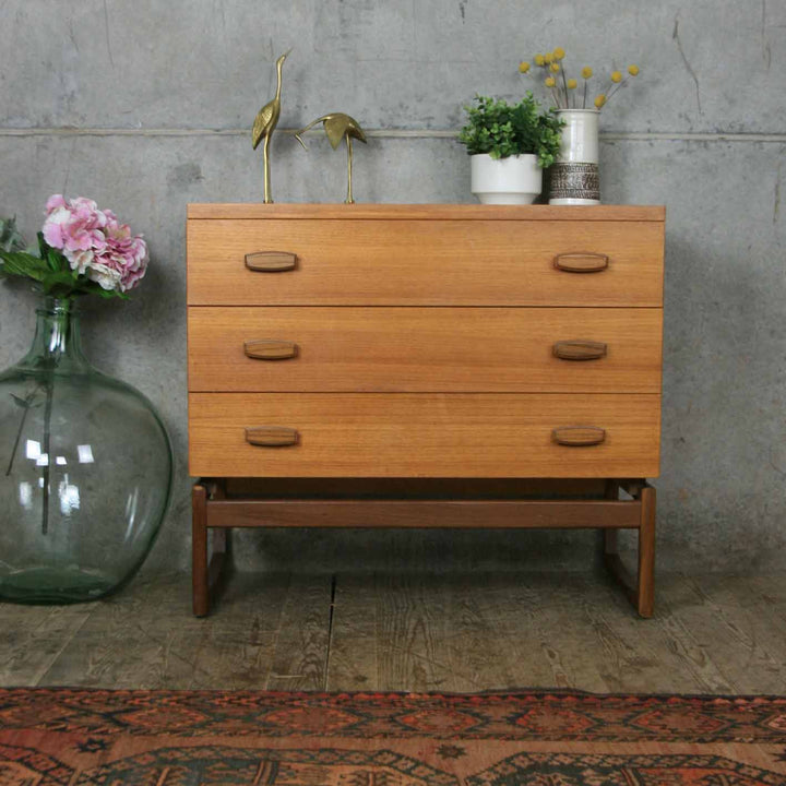 vintage_g_plan_mid_century_teak_quadrille_chest_of_drawers.1