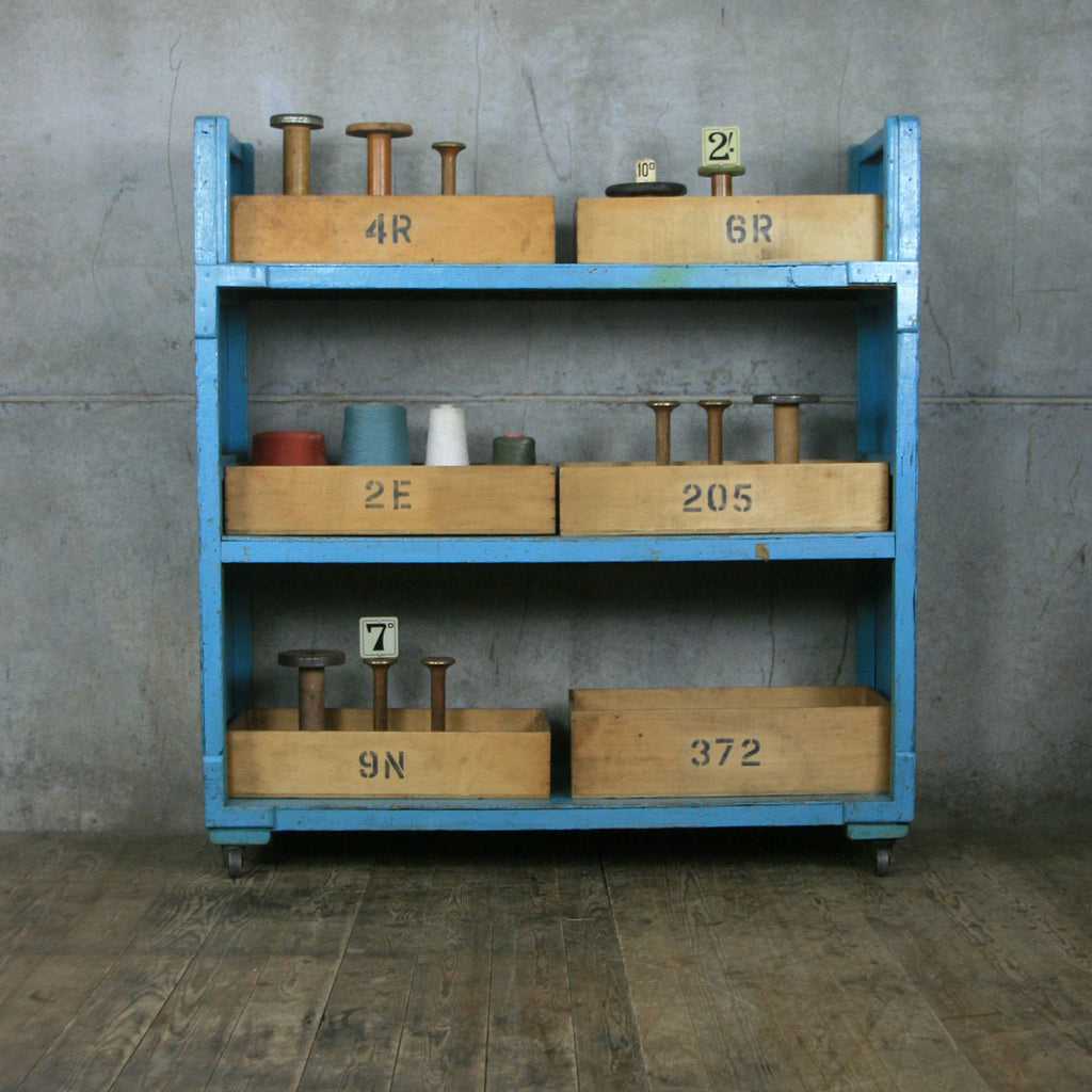 Incroyable Vintage Industrial Factory Storage Shelves   Retail Display